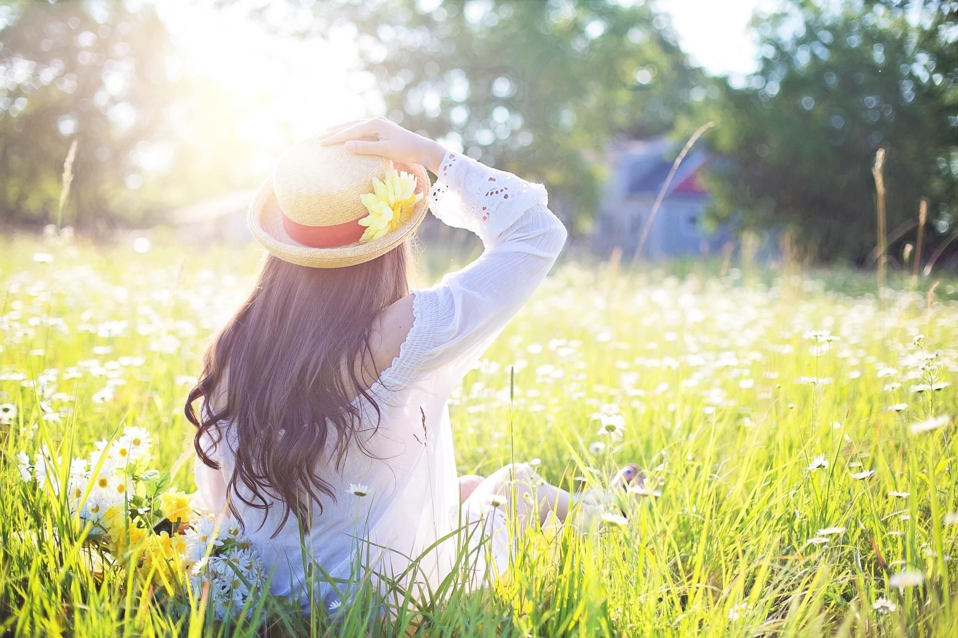 Comment adopter la Slow attitude ? Je vous donne mes astuces pour changer en douceur ses habitudes de vie.