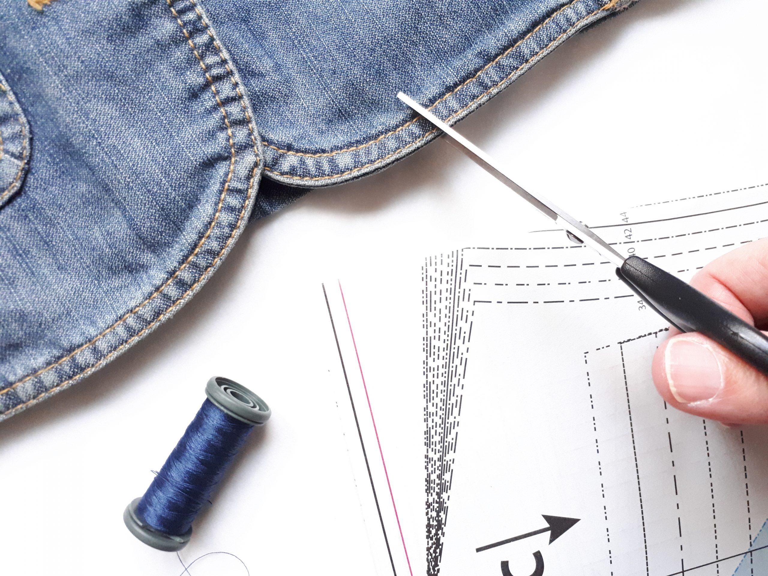Comment débuter la couture upcycling ?