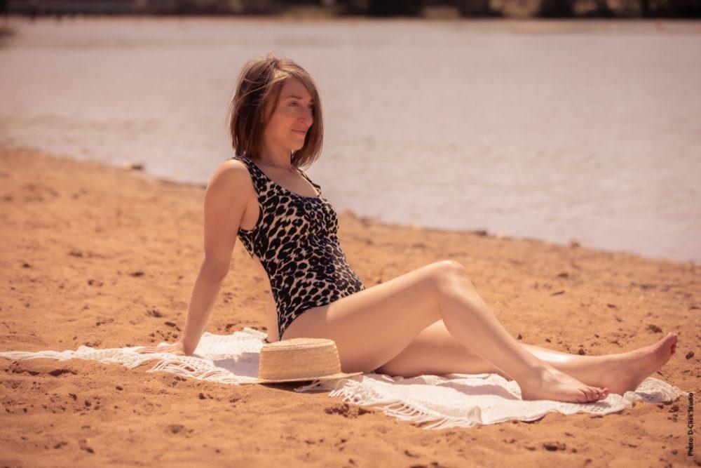 Eco-designer et styliste, je vous apprends à coudre facilement votre propre maillot de bain à partir d'un vêtement inutilisé.