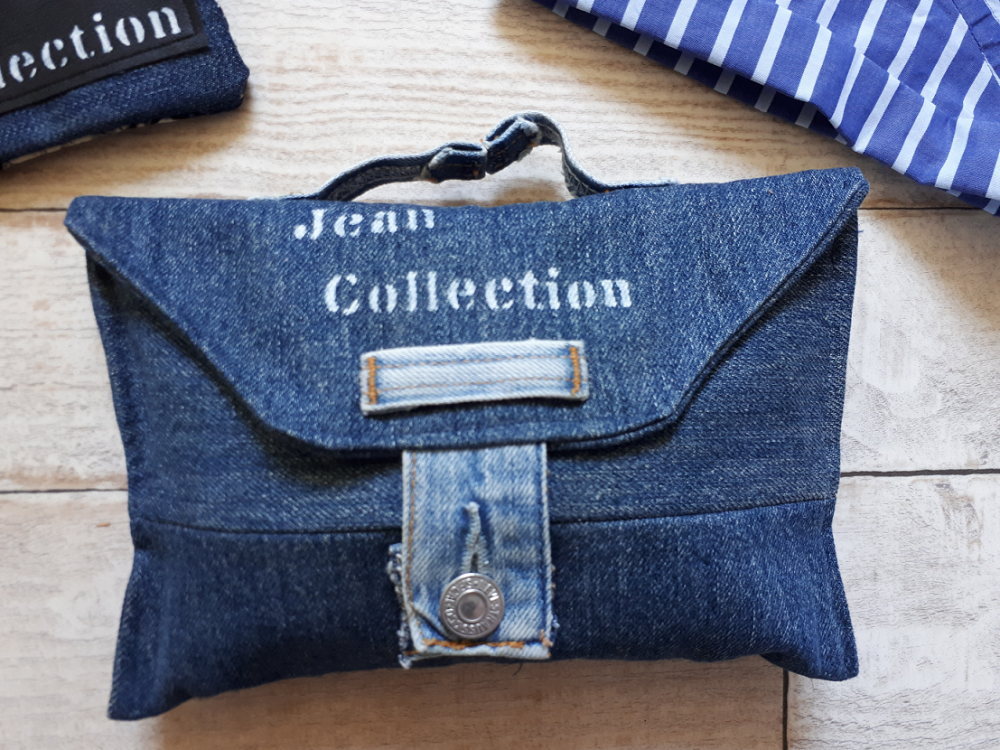 Eco-designer textile et Styliste, je vous apprends dans ce cours à réaliser une pochette facile à coudre. Le patron est déclinable à l'infini.