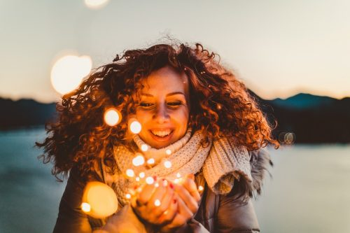 Apprendre à s'aimer c'est le plus beau cadeau que l'on puisse se faire. C'est la clé de la confiance en soi, la liberté et l'épanouissement.