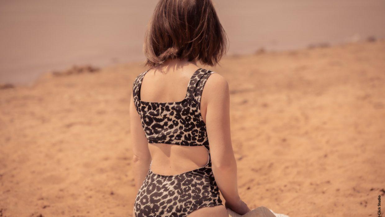 Eco-designer textile et styliste, je vous apprends à réaliser facilement votre propre maillot de bain dans un ancien vêtement.