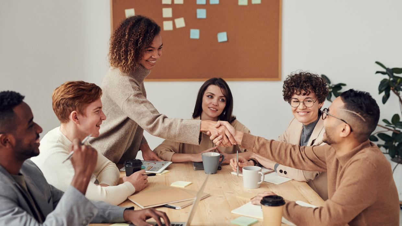 Le temps où tu étais transparente aux yeux de tes collègue est révolu! S'affirmer au travail est un enjeu pour ton évolution professionnelle.