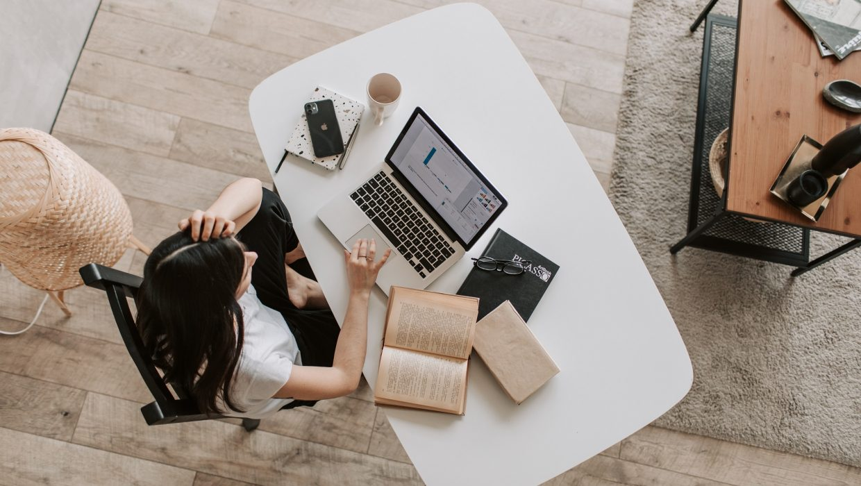 Tu n'es plus satisfaite de ton travail mais tu n'as pas envie de bouleverser ta vie. Le job crafting est peut être la solution pour toi !